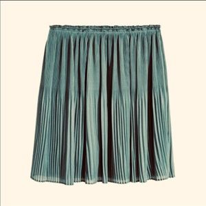 H&M Pleated Mini Skirt in Blue/Grey - Sz. 4 (NWOT)